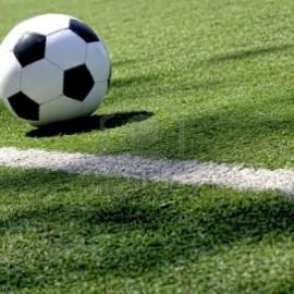 Non costituisce reato la lesione causata in un incontro sportivo, quando sussiste la scriminante dell'accettazione del rischio consentito