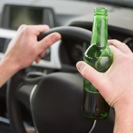 Anche le ipotesi più gravi di guida in stato di ebbrezza e il rifiuto di sottoporsi all'alcoltest possono risultare non punibili per particolare tenuità del fatto ex art. 131-bis c.p.